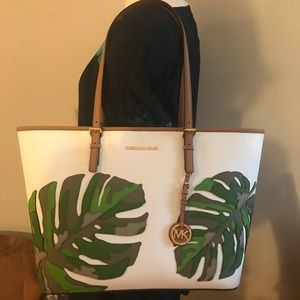 ✅OFFERS✅🎀NEW🎀MICHAEL KORS Large Carryall Tote